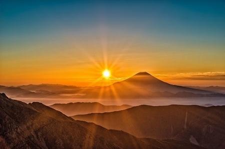 朝日と富士山.jpg